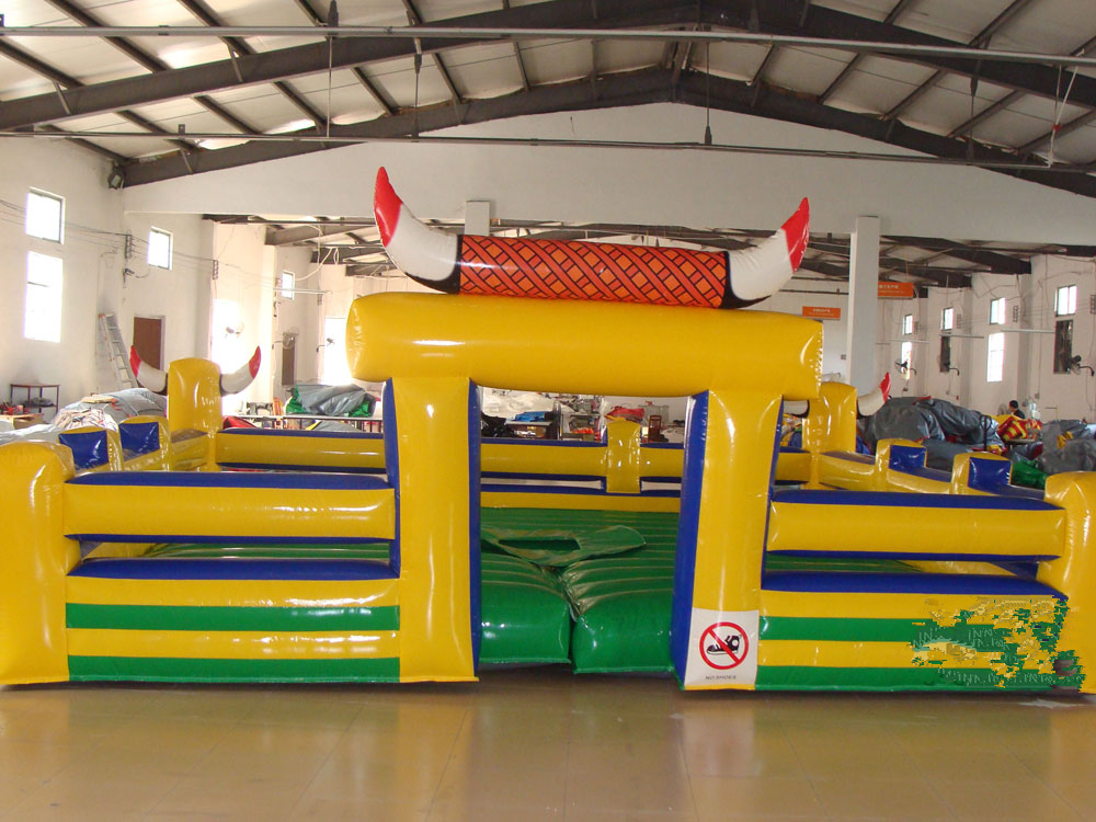 mechanical rodeo bull rides
